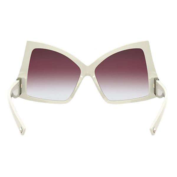 Valentino - Occhiale da Sole Butterfly in Acetato con Roman Stud - Nero  - Valentino Eyewear
