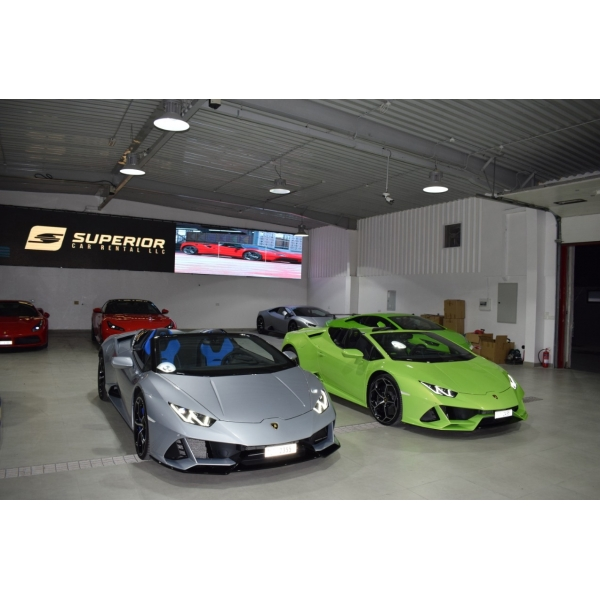 Superior Car Rental - Lamborghini Huracán EVO Spyder - Grigio - Exclusive Luxury Rent