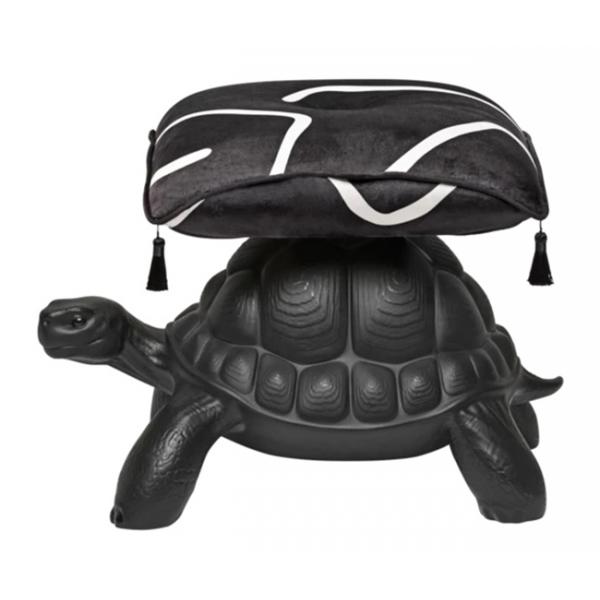 Qeeboo - Turtle Carry Pouf - Nero - Pouf Qeeboo by Marcantonio - Arredo - Casa