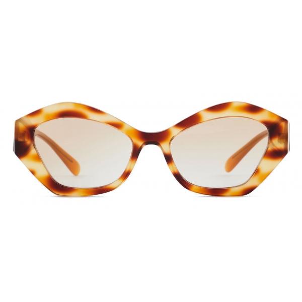 Giorgio Armani - Occhiali da Sole Donna Forma Irregolare - Havana Miele - Occhiali da Sole - Giorgio Armani Eyewear