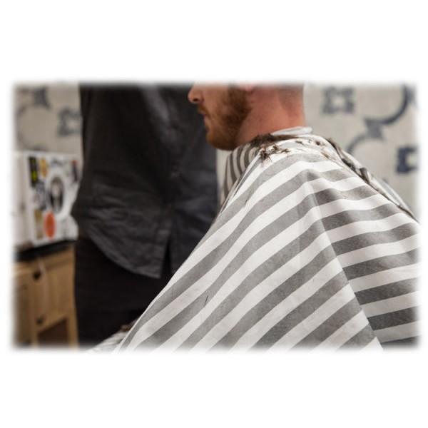 Anonima Barbieri - La Mantella - Mantella Professionale - Seduta del Barbiere