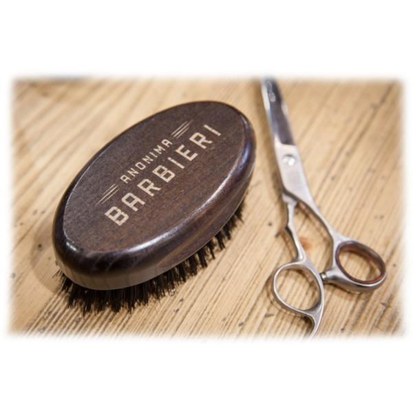 Anonima Barbieri - La Spazzola - Spazzola Professionale - Seduta del Barbiere