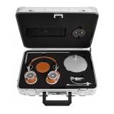 Master & Dynamic - MH40 - Zero Halliburton Kit - Metallo Argento / Pelle Marrone - Cuffie Auricolari Premium di Alta Qualità