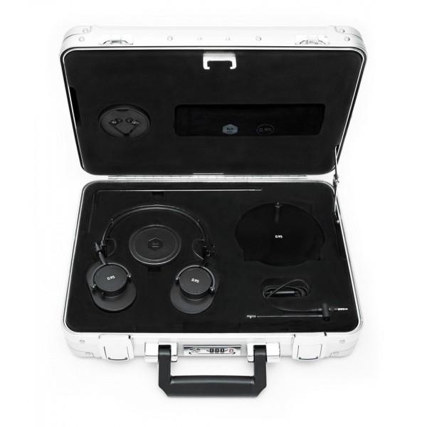 Master & Dynamic - MH40 - Zero Halliburton Kit - Limited Edition - Leica Camera AG - 0.95 - Black - Premium Over-Ear Headphones