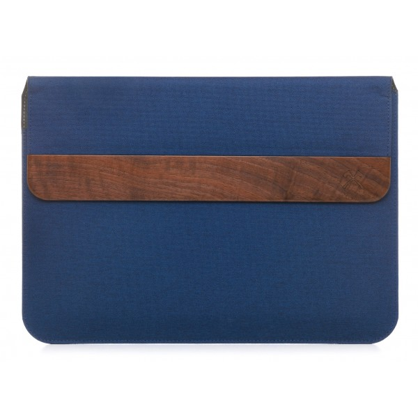 Woodcessories - Walnut / Blue Navy Leather / MacBook Bag - MacBook 15 Pro Ret Touchbar - Eco Pouch Case - Wooden MacBook Bag