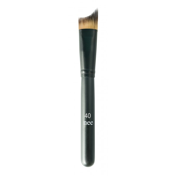Nee Make Up - Milano - High Definition Foundation Brush N° 40 - Viso - Pennelli - Make Up Professionale