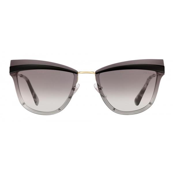 nuovo stile bfefa 10444 Prada - Prada Cinéma - Occhiali a Gatto in Nero e Oro Pallido - Prada  Cinéma Collection - Occhiali da Sole - Prada Eyewear - Avvenice