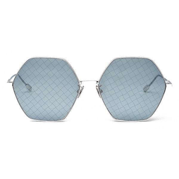 Bottega Veneta - Occhiali da Sole Esagonali Oversize in Metallo - Silver Blue - Occhiali da Sole - Bottega Veneta Eyewear