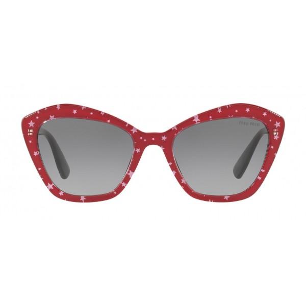 Miu Miu - Occhiali Miu Miu con Logo Stelle - Cat Eye - Rosso Grigio Sfumato - Occhiali da Sole - Miu Miu Eyewear