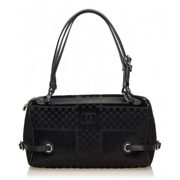 Chanel Vintage - Velour Shoulder Bag - Black - Leather and Lambskin Handbag - Luxury High Quality