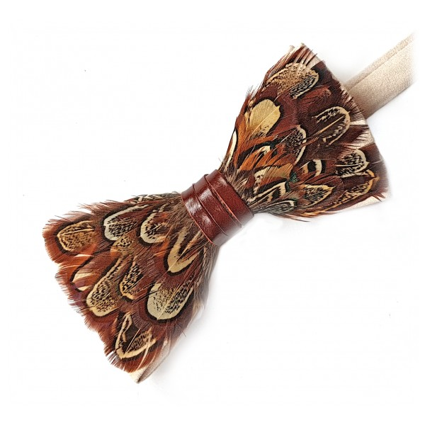 Genius Bowtie - Da Vinci - Mandorla - Papillon in Pelle Scamosciata con Piume - Farfallino di Alta Qualità Luxury