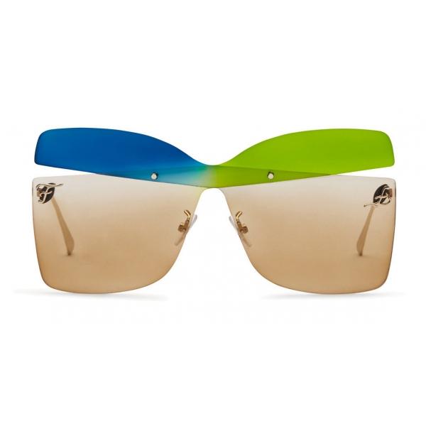 Fendi - Karligraphy - Occhiali da Sole a Farfalla - Oro Blu Verdi - Occhiali da Sole - Fendi Eyewear
