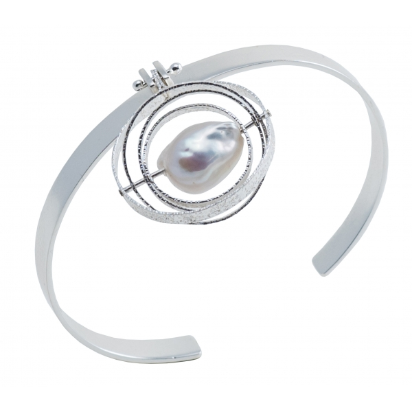 Ab Ove - Bracelet in Silver with River Baroque Pearl - Kinetic Collection - Handcrafted Bracelet - High Quality Luxury