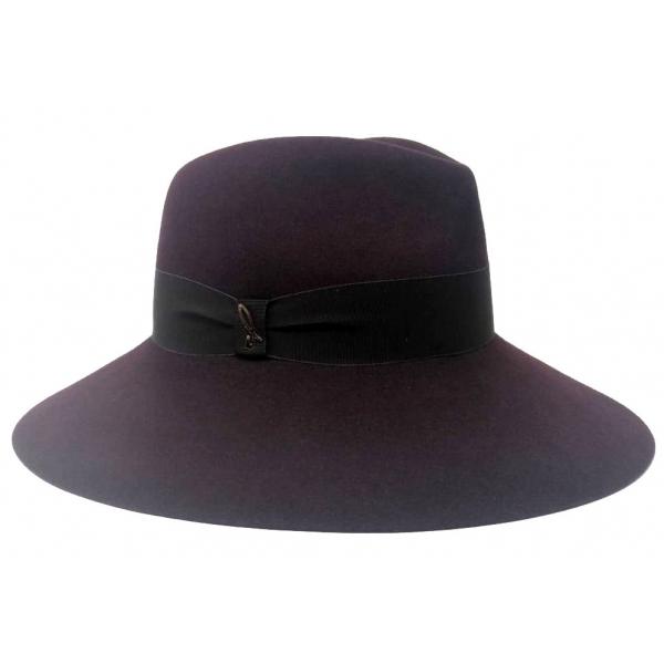 Doria 1905 - Sabina - Cappello a Goccia Prugna Negroamaro - Accessori - Cappello Artigianale Italiano