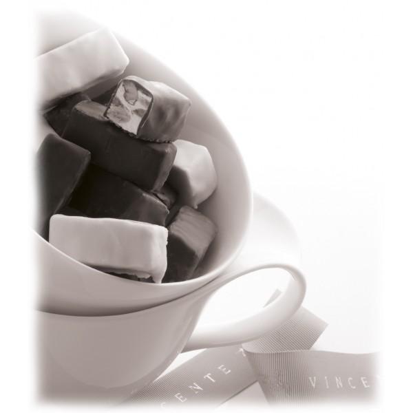 Vincente Delicacies - Torroncini Mandorla Ricoperti di Cioccolato Extra Fondente 70% - Glamour - Confezione Ninféa