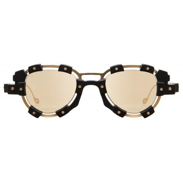 Kuboraum - Mask V2 - Nero e Oro - V2 GB - Occhiali da Sole - Kuboraum Eyewear