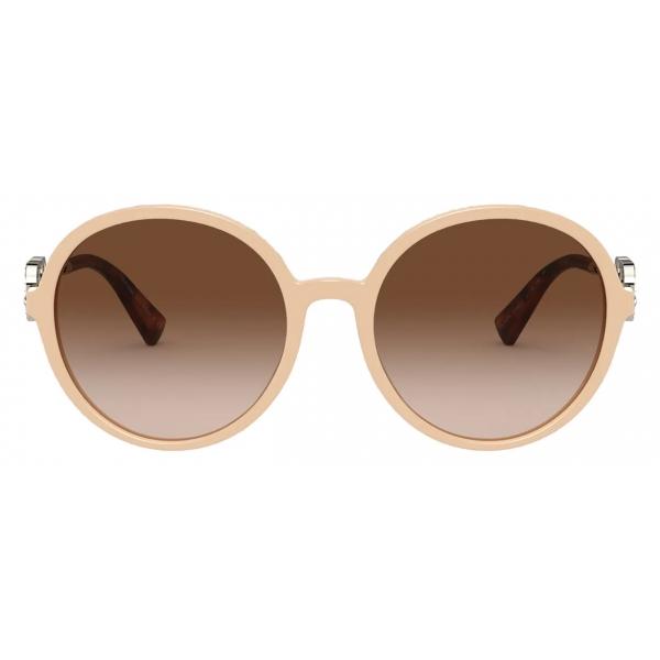 Valentino - Occhiale da Sole Tondo in Acetato Vlogo Signature Cristalli - Beige Marrone - Valentino Eyewear