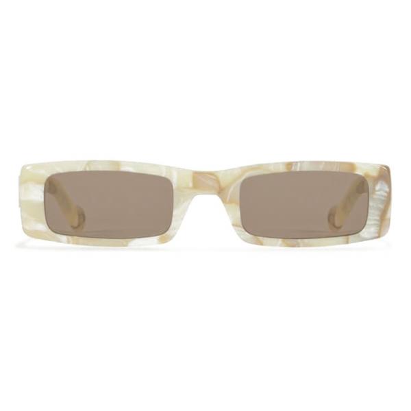 Fenty - Trouble Sunglasses - White Marble - Sunglasses - Rihanna Official - Fenty Eyewear