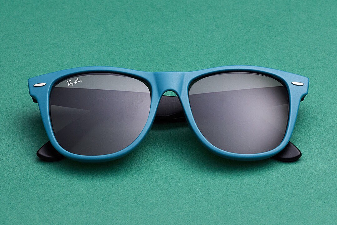 26efa11d997 Ray-Ban re-works its most iconic models in an explosion of fresh color for  2009 with Never Hide Colorize Communication Campaign. Ray-Ban Wayfarer  Colorize ...